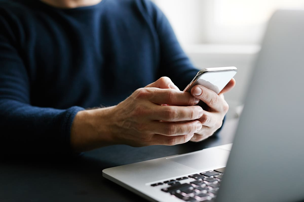 Déverrouillez l'accès à distance en toute sécurité par ordinateur ou Smartphone