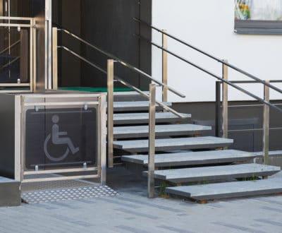 Accessibilité en élévateur pour mobilité réduite (EPMR) : des solutions Delta Ascenseurs pour tous