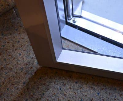 Réglage fin d'ouverture de porte d'ascenseur
