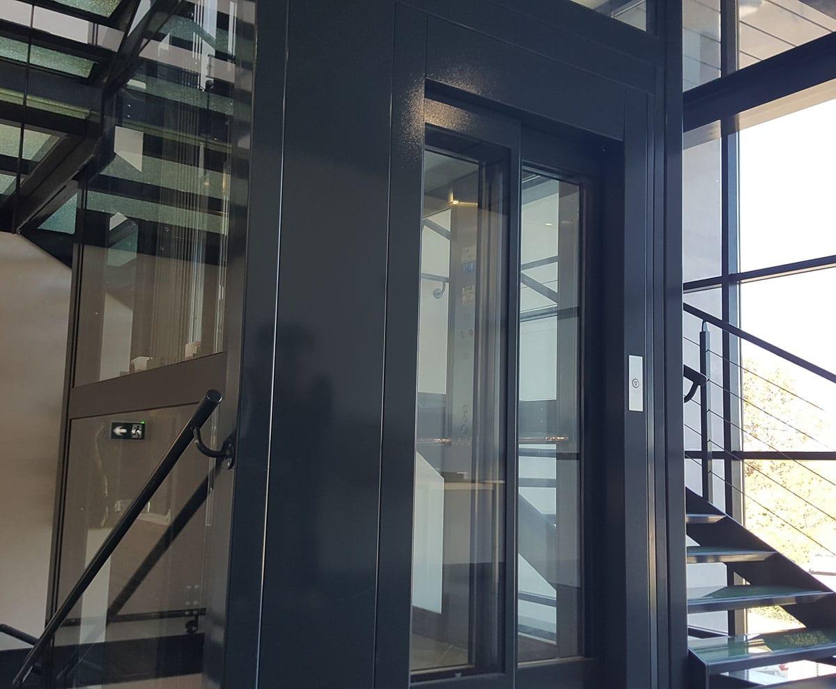 Ascenseur pylône vitré